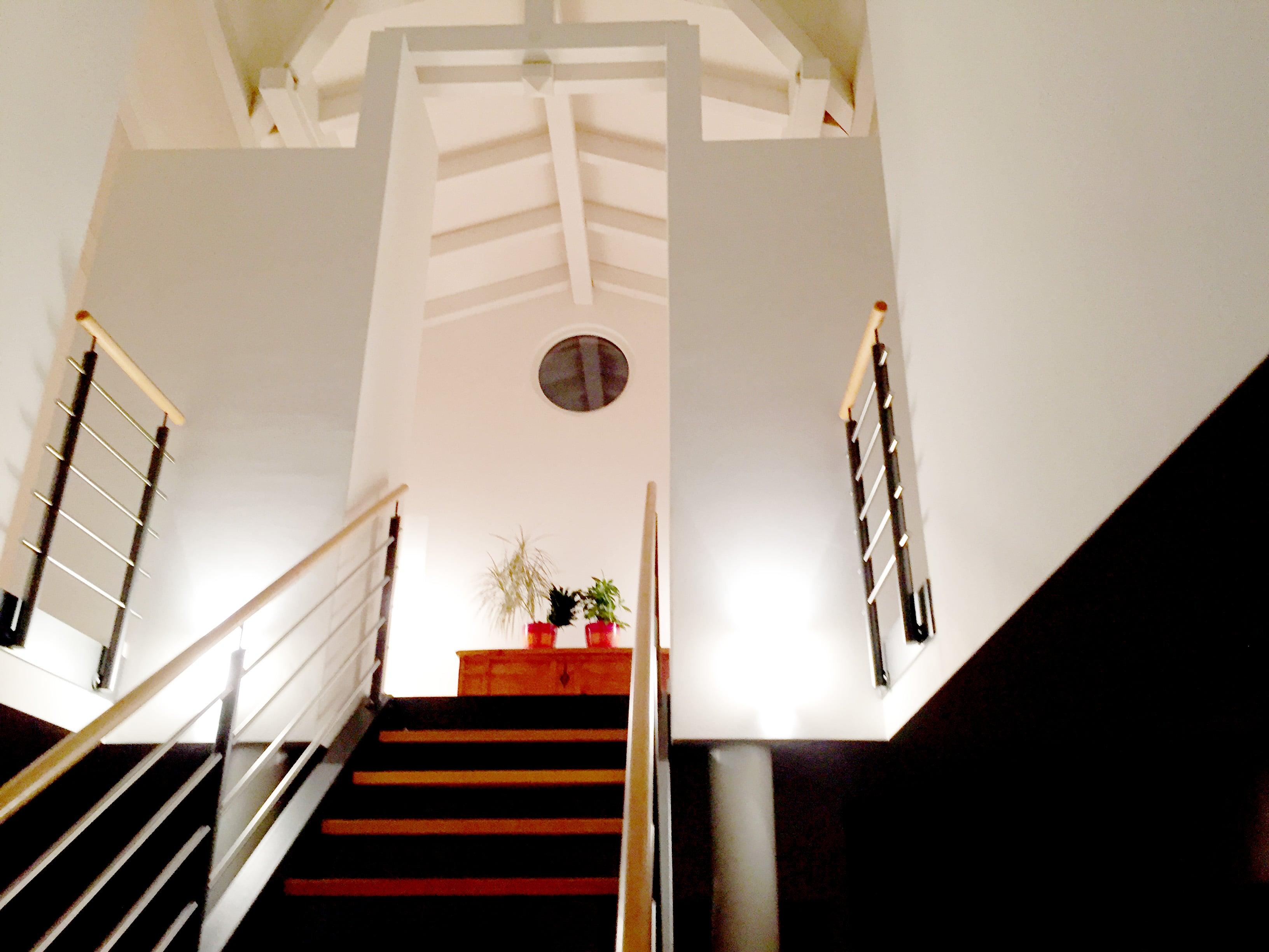 E2-villa-gruyere-deco-mur-peinture-min